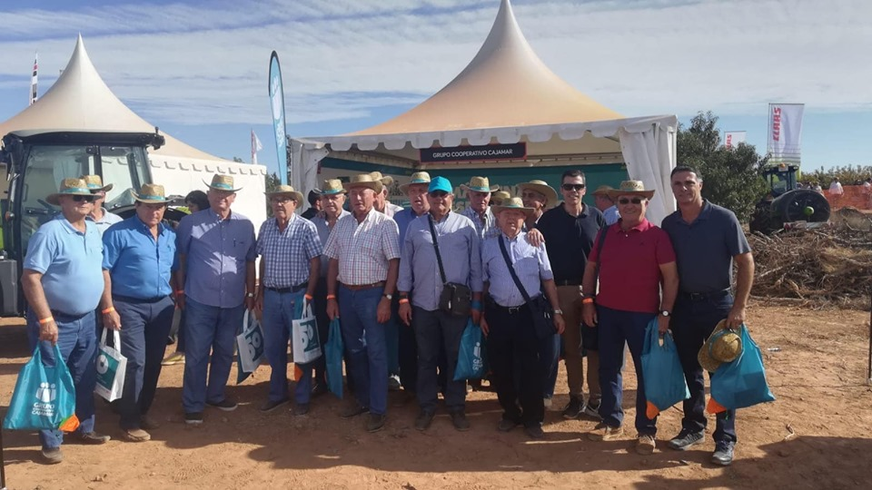 El PP acompaña a los agricultores de Torrent en la feria Demoagro