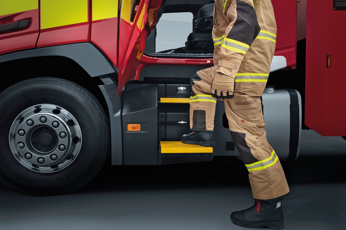 Failsafe Folding Steps make access and egress with full Structural PPE safe and efficient.