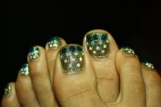 glitterly nails aphan