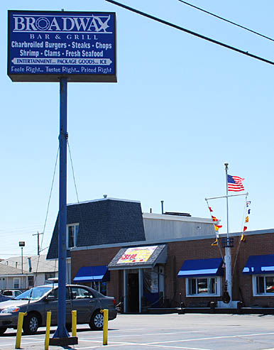 Broadway Bar and Grill - (Formerly Neilley's Long Bar)