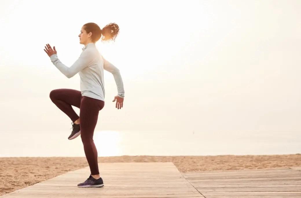全身大肌肉都練到 6個動作讓你跟bff 一起流汗瘦腰減肥 | ELLE HK