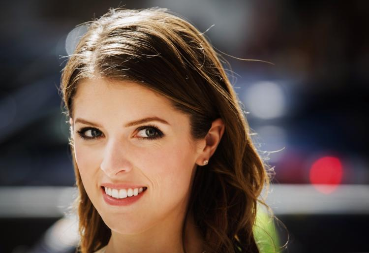 Is Actor Anna Kendrick an Upholder? After Reading Her Memoir, I Think So.