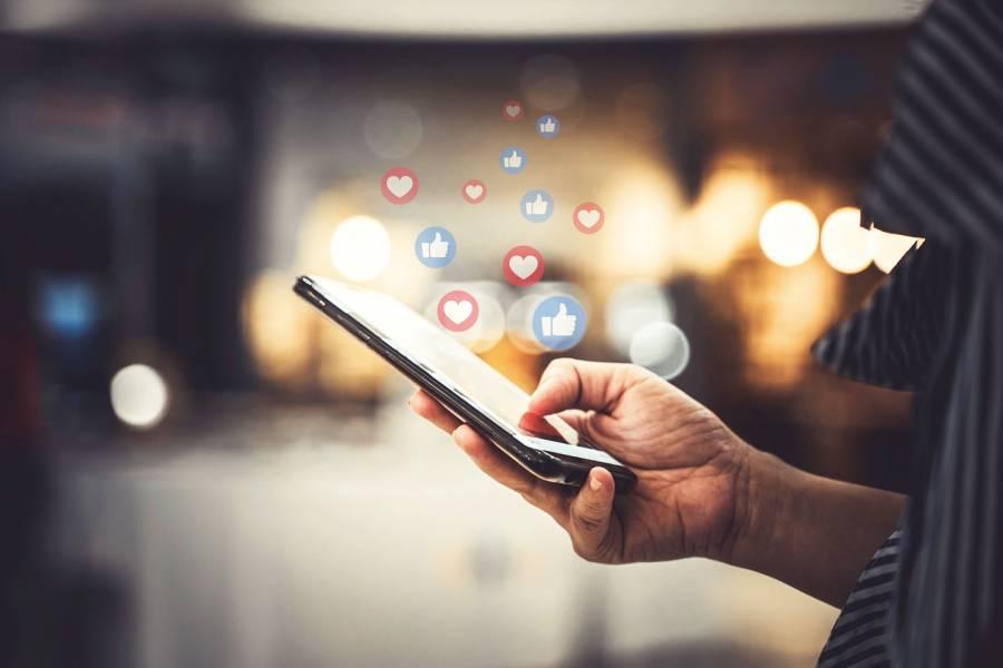 Teen social media use may increase risk of mental health problems | Hub