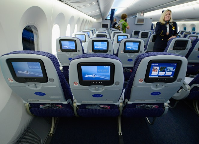 United Airlines Offers Big Buyouts to Flight Attendants | Time