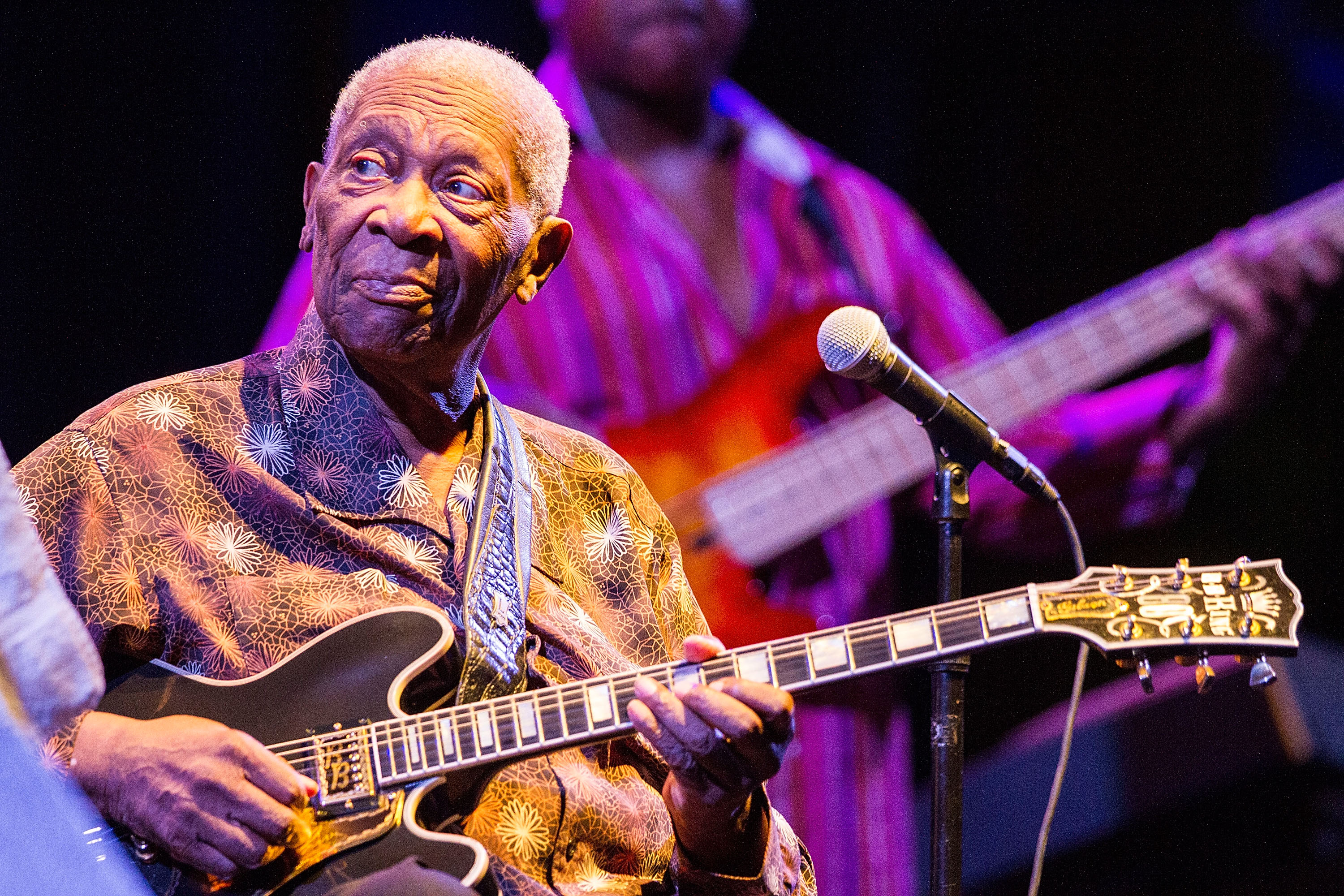 B B King Cancels Tour Dates Due To Exhaustion And