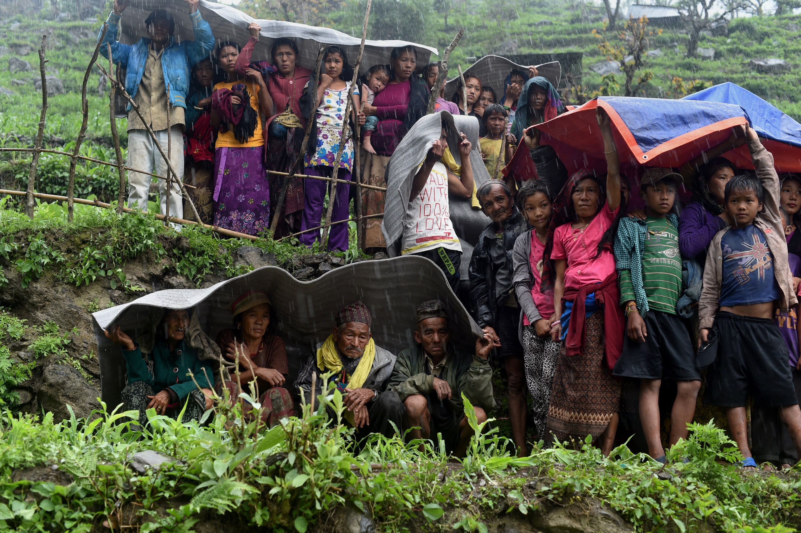 Nepal Earthquake: Aid Yet to Reach Villages Just 2 Hours From ...