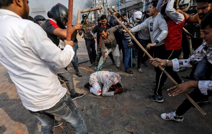 Mohammad Zubair, musulmán de 37 años, fue golpeado por un grupo de hindúes el 24 de febrero | Siddiqui Danés / Reuters