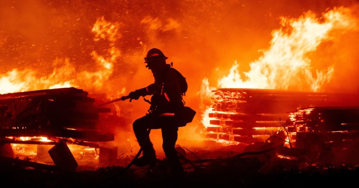 The station fire has scorched thousands of acres north of los angeles. Gender Reveal Event Sparks 7 000 Acre California Wildfire Time