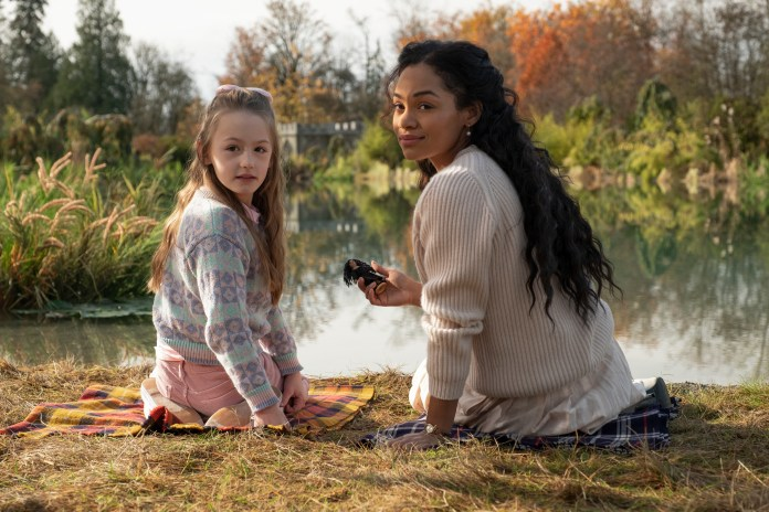 Amelie Bea Smith (left) and Tahirah Sharif in 'The Haunting of Bly Manor'