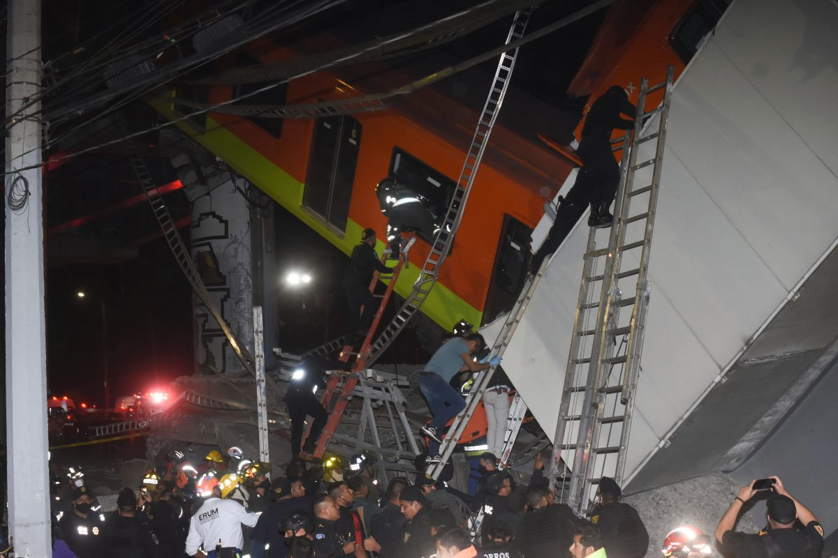 Mexico City Metro Overpass Collapses Onto Road, Killing 15 and Injuring Scores, Swahili Post