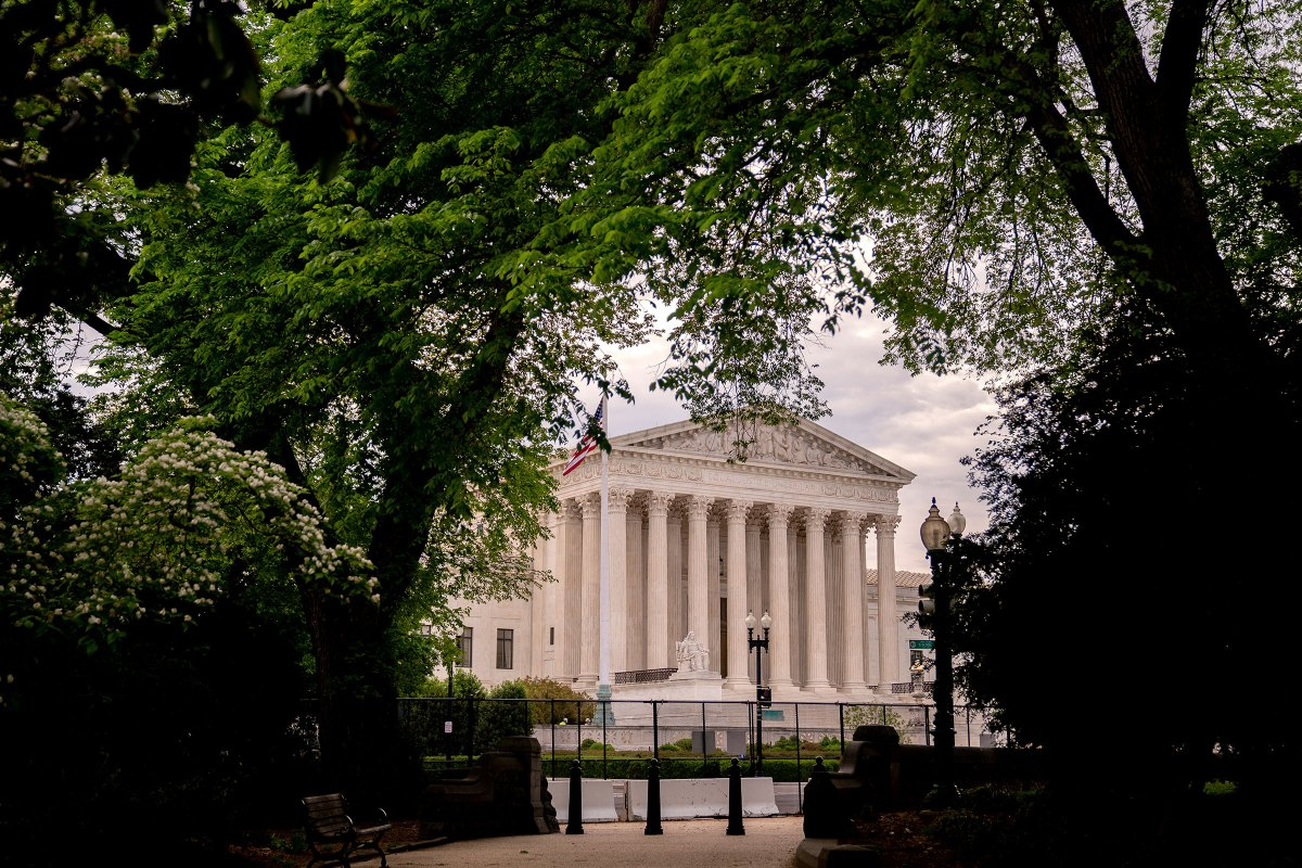 SCOTUS Hears Case That Could Impact Sentencing For Many 'Low-Level' Crack Cocaine Offenders, Swahili Post