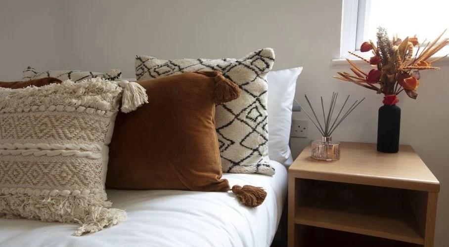 cosy student bedroom decorating ideas