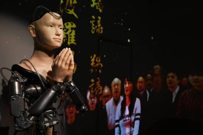 Image result for JAPANTEMPLE PUTS FAITH IN A ROBOTIC PRIEST