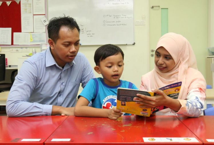 Try to make reading a fun activity for children during the MCO period. — Filepic