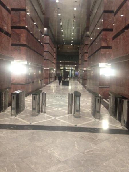 One Canada Square - Access to elevators