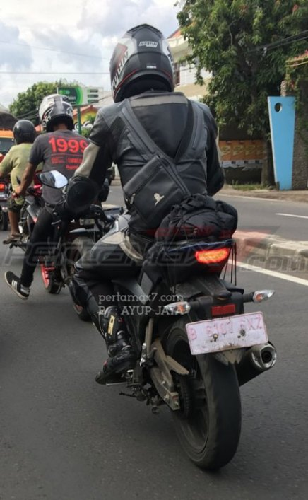 Spyshot-Headlamp-Yamaha-All-New-Vixion-2017-2