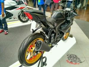 Modifikasi Suzuki GSX R150 Black Matte Velg Two tone..!