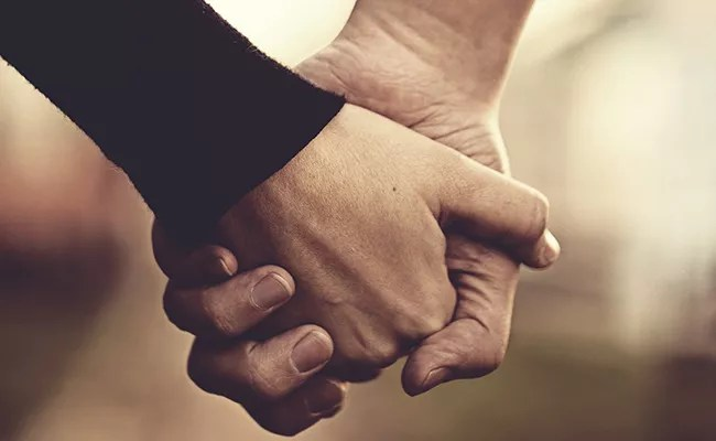 Holding Hands Can Strengthen Your Relationship