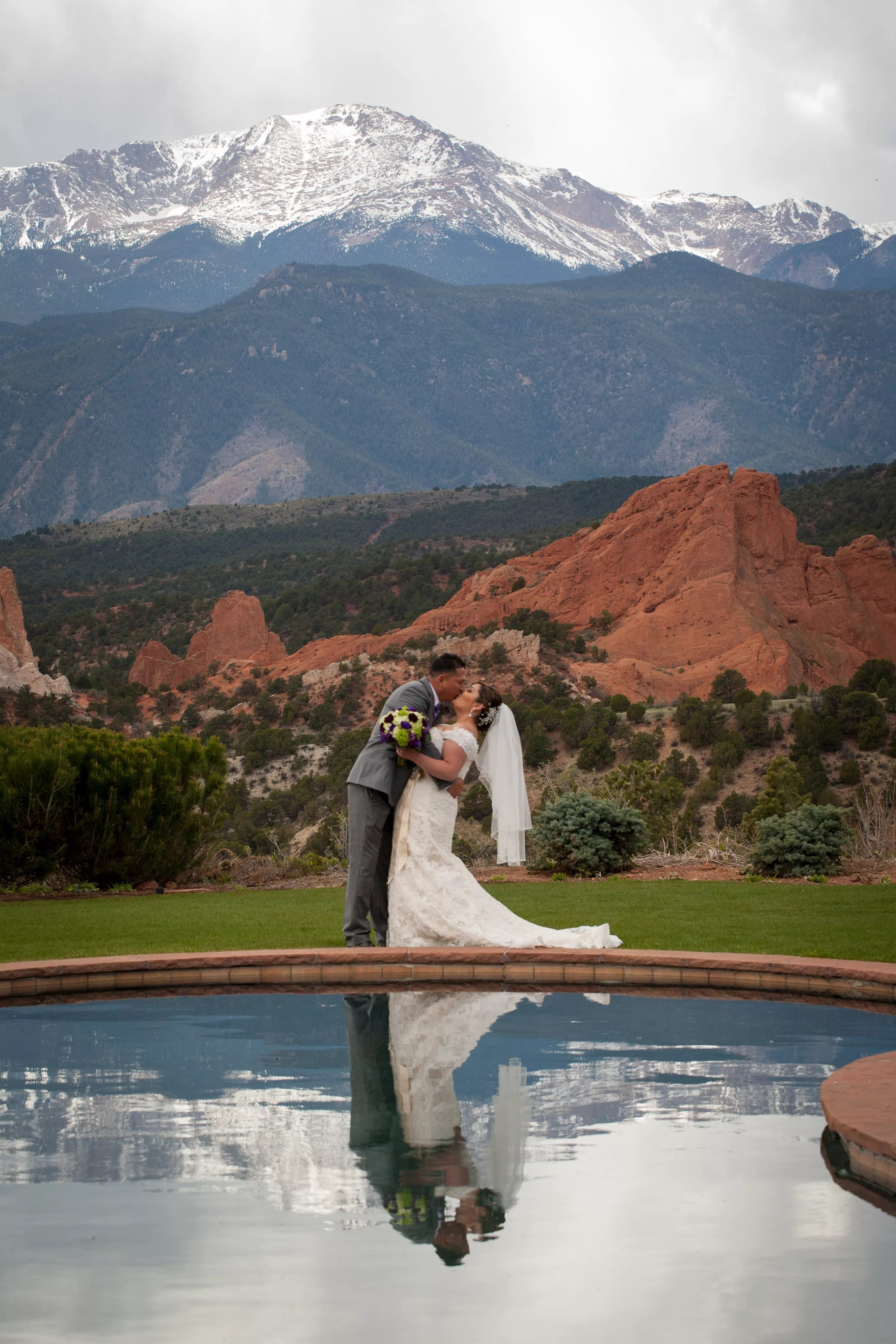 A Rustic Mountain Wedding At Garden Of The Gods Club And