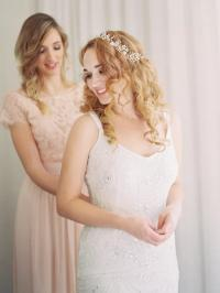 16 Curly Wedding Hairstyles for Long and Short Hair