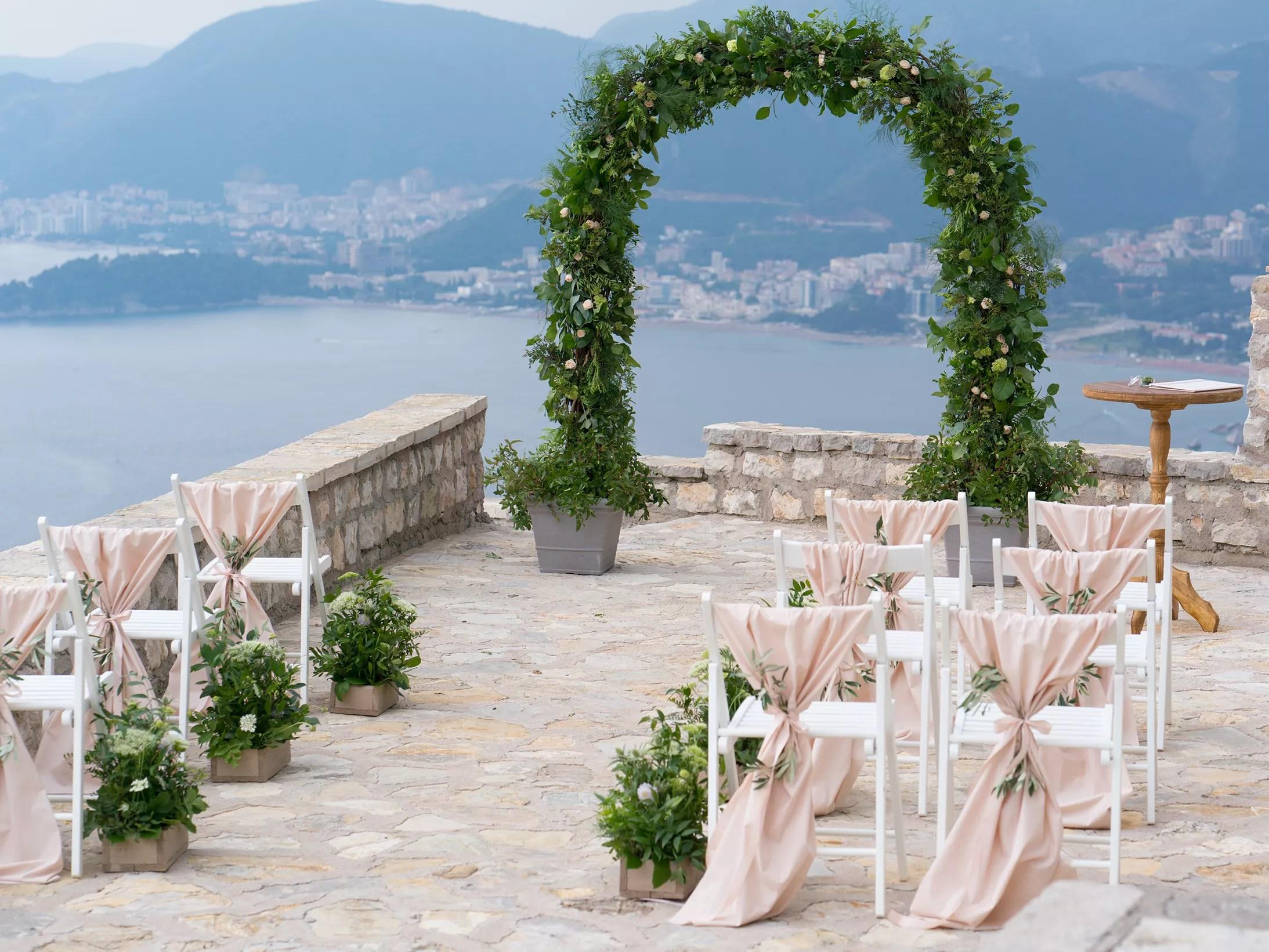 28 Beautiful Wedding Aisle Decorations And Ideas