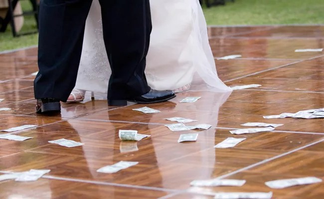 Monetary Wedding Gift Traditions Around The World