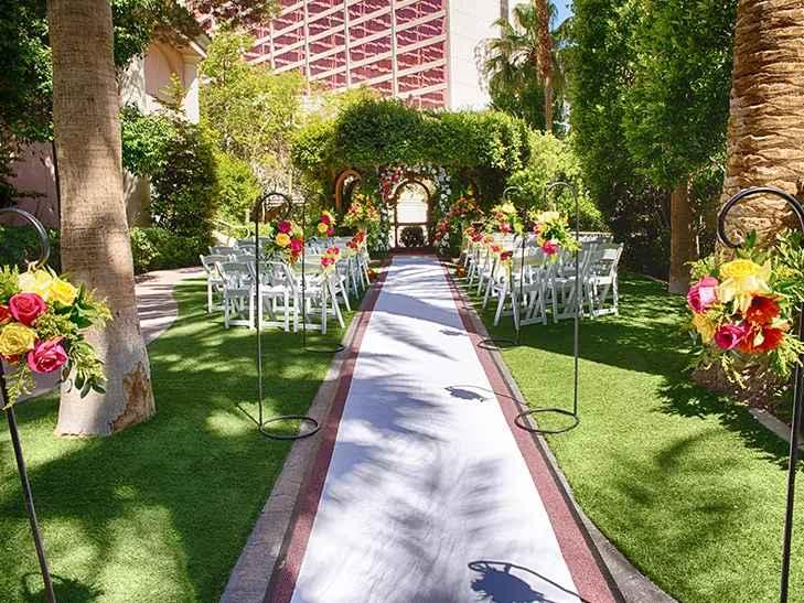 Unique Vegas Wedding Packages