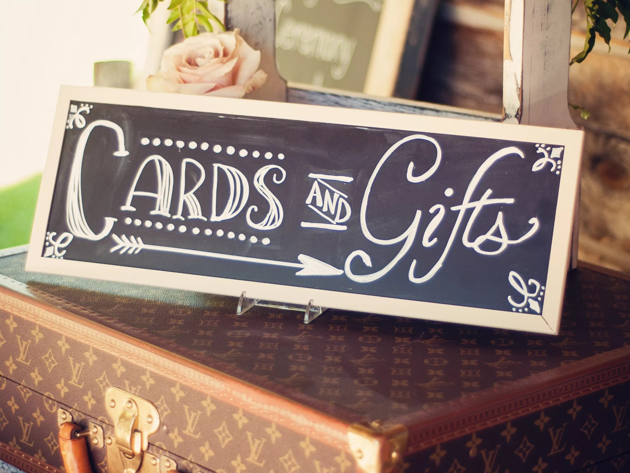 5 Etiquette Rules For Giving Wedding Gifts