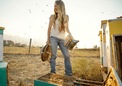 Sarah Red-Laird : apicultrice à Ashland en Oregon, Etats-Unis d'Amérique.