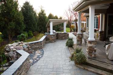 natural stone block wall and walkways in Lancaster, PA
