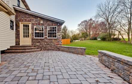 natural stone patio and block wall in Chester pa