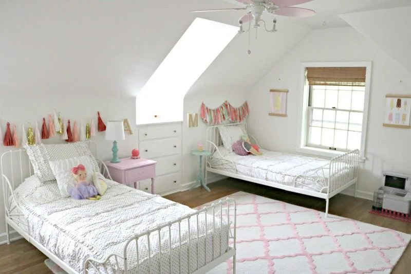 The Spena Sisters Shared Girls Bedroom With Beddy S Showit Blog,Mid Century Modern Ranch Exterior Remodel