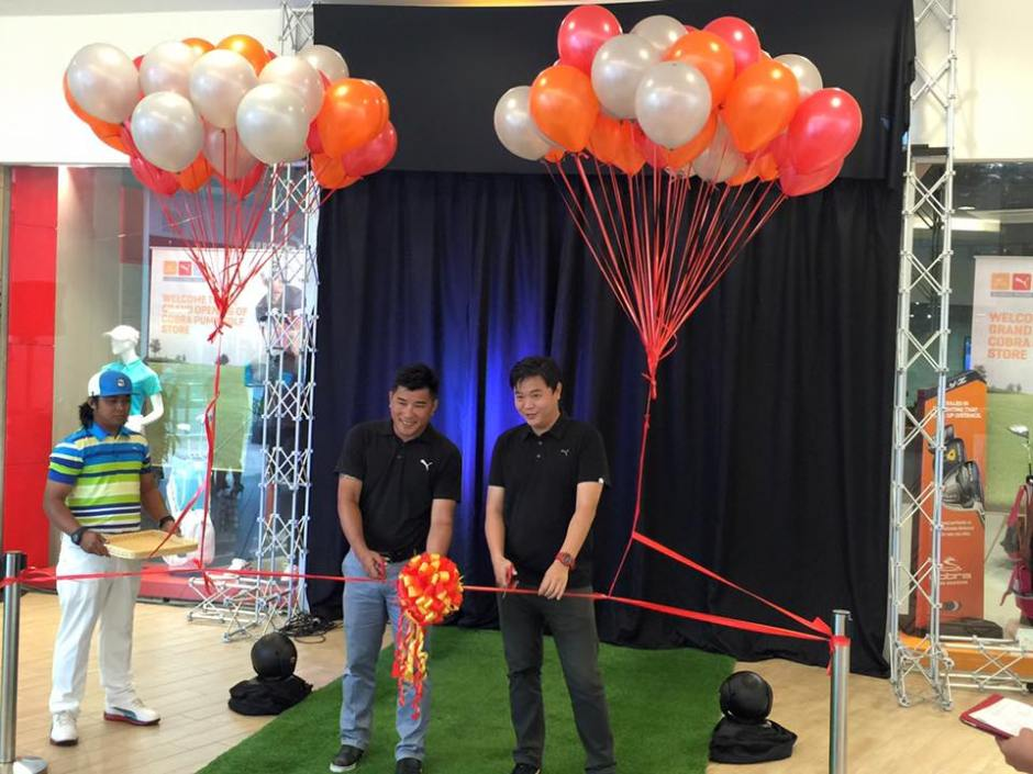 Emmanuele Goh and Stevan Yaw of Cobra Puma officially opening the store.