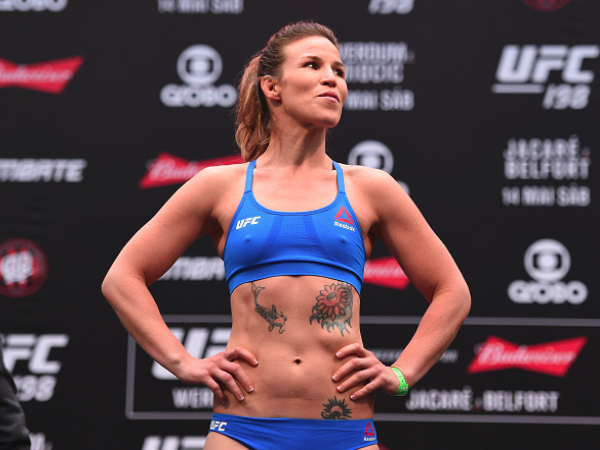 Leslie Smith Signs With Bellator MMA,  Plans To Compete At Featherweight