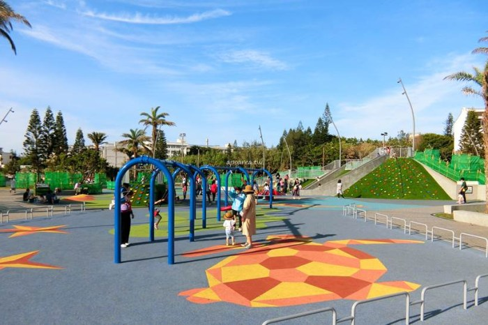 澎湖觀音亭親子公園。共融式遊戲場,海龜鯨魚安全彈性地墊,滑梯無敵海景,免費親子景點