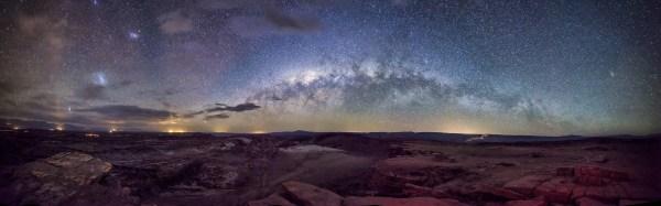 Apod 2014 December 5 - Milky Over Moon Valley