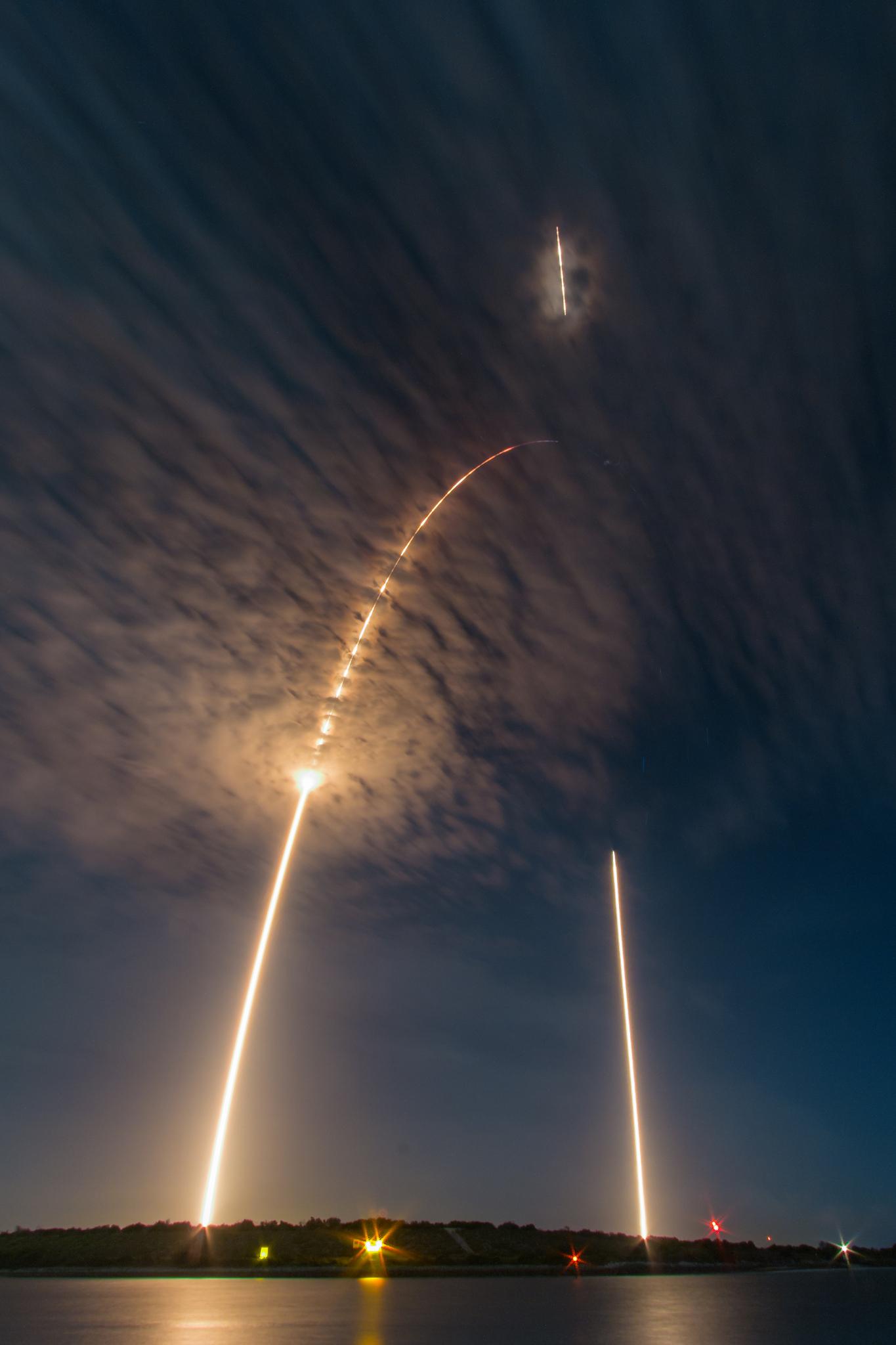 Hunter X Hunter Wallpaper Iphone Apod 2016 July 21 Falcon 9 Launch And Landing