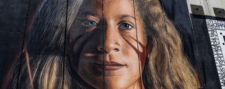 Israël zet Italiaanse kunstenaars die portret Ahed op Muur schilderden land uit – The Rights Forum