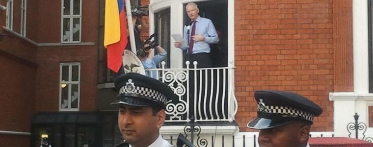 Abgeordnete aus Berlin und Brüssel fordern Lösung für Julian Assange