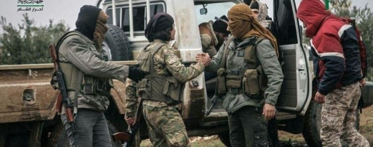 Syrien: Wie Hilfe der NGOs an Dschihadisten kommt