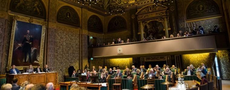 Met de poten in bestuursmodder: de FTM-senatoren database