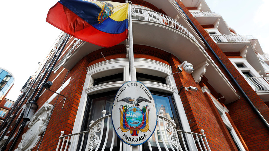 intruder-tried-to-break-into-ecuadorian-embassy-through-assanges-room-reports