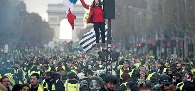 parijs-gebruikt-escalatie-en-noodtoestand-om-gele-hesjes-baas-te-worden
