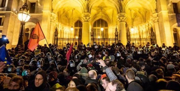 hungary8217s-fidesz-party-blames-socialists-soros-for-violent-street-protests