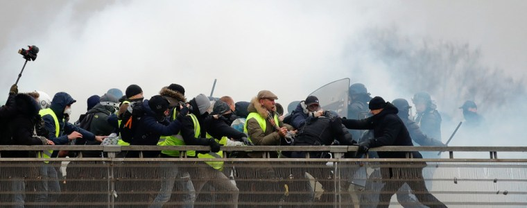 organizer-of-macrons-grand-debate-with-yellow-vests-defends-her-shocking-e176000-salary