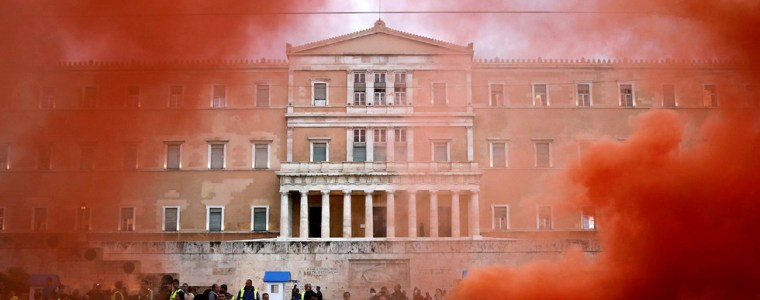 merkel-inspects-the-desert-she-made-varoufakis-slams-german-chancellors-visit-to-greece