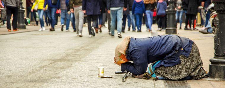 tagesdosis-2112019-8211-arme-haben-freie-wahl-hamsterrad-oder-hungerstrafe-kenfm.de