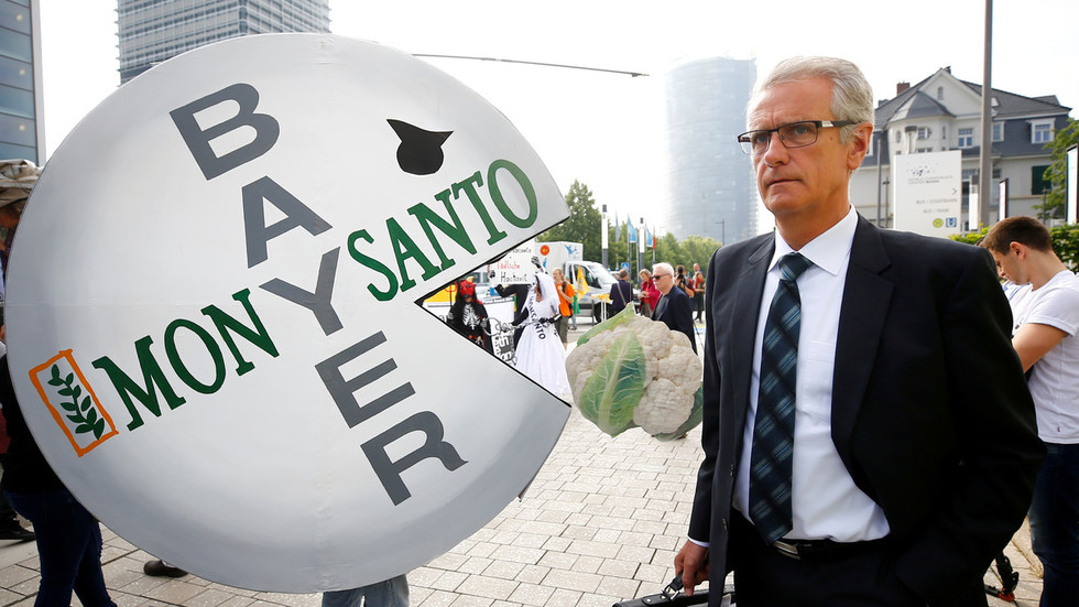 french-amp-german-farmers-forced-to-destroy-crops-after-gmos-found-in-bayermonsanto-seeds