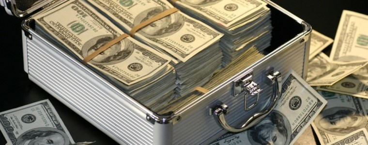 world-flooded-with-100-bills-may-be-sign-of-international-corruption-experts