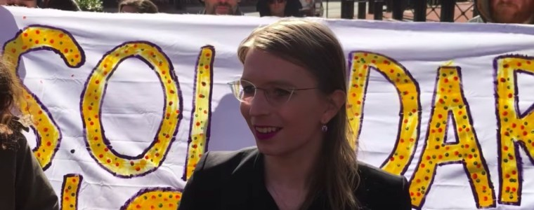us-re-imprisons-manning-to-coerce-her-to-testify-against-wikileaks